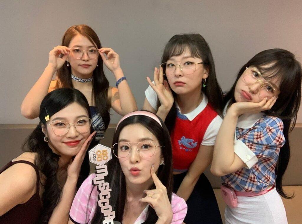 Red Velvet(レッドベルベット)メンバー全員の集合写真